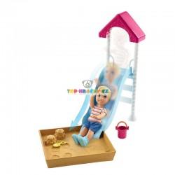 Barbie Příběh z deníku chůvy pískoviště a miminko